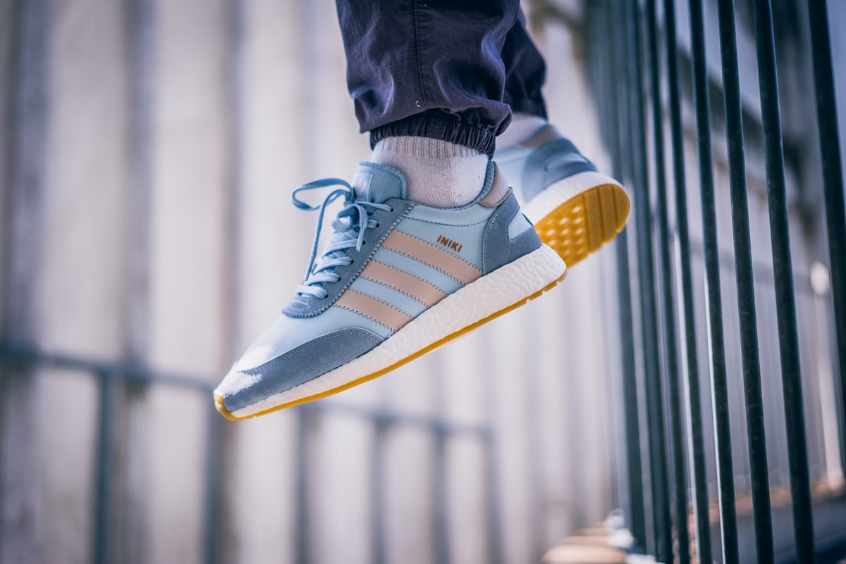 adidas-iniki-runner-blue-white-bb2099-mood-2
