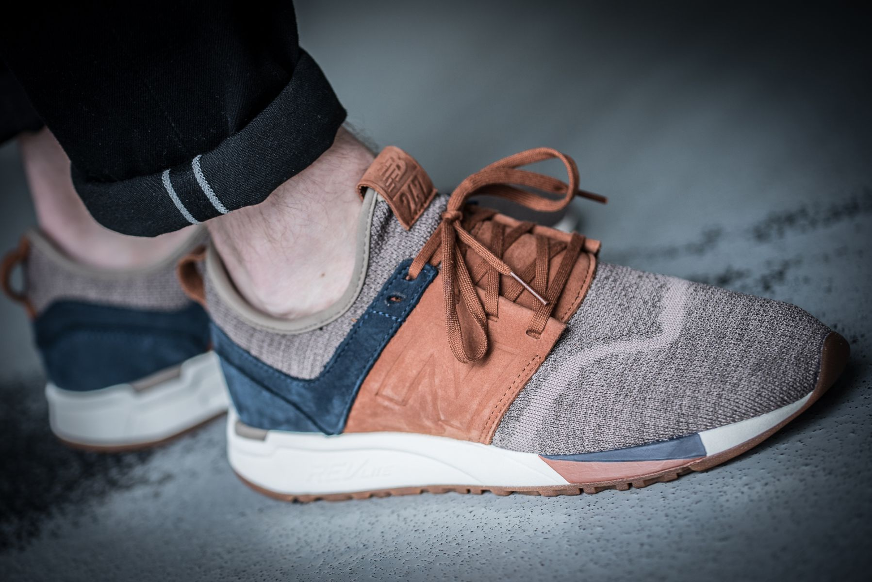 new-balance-mrl247lb-luxe-knit-pack-brown-blue-582461-60-9-mood-3
