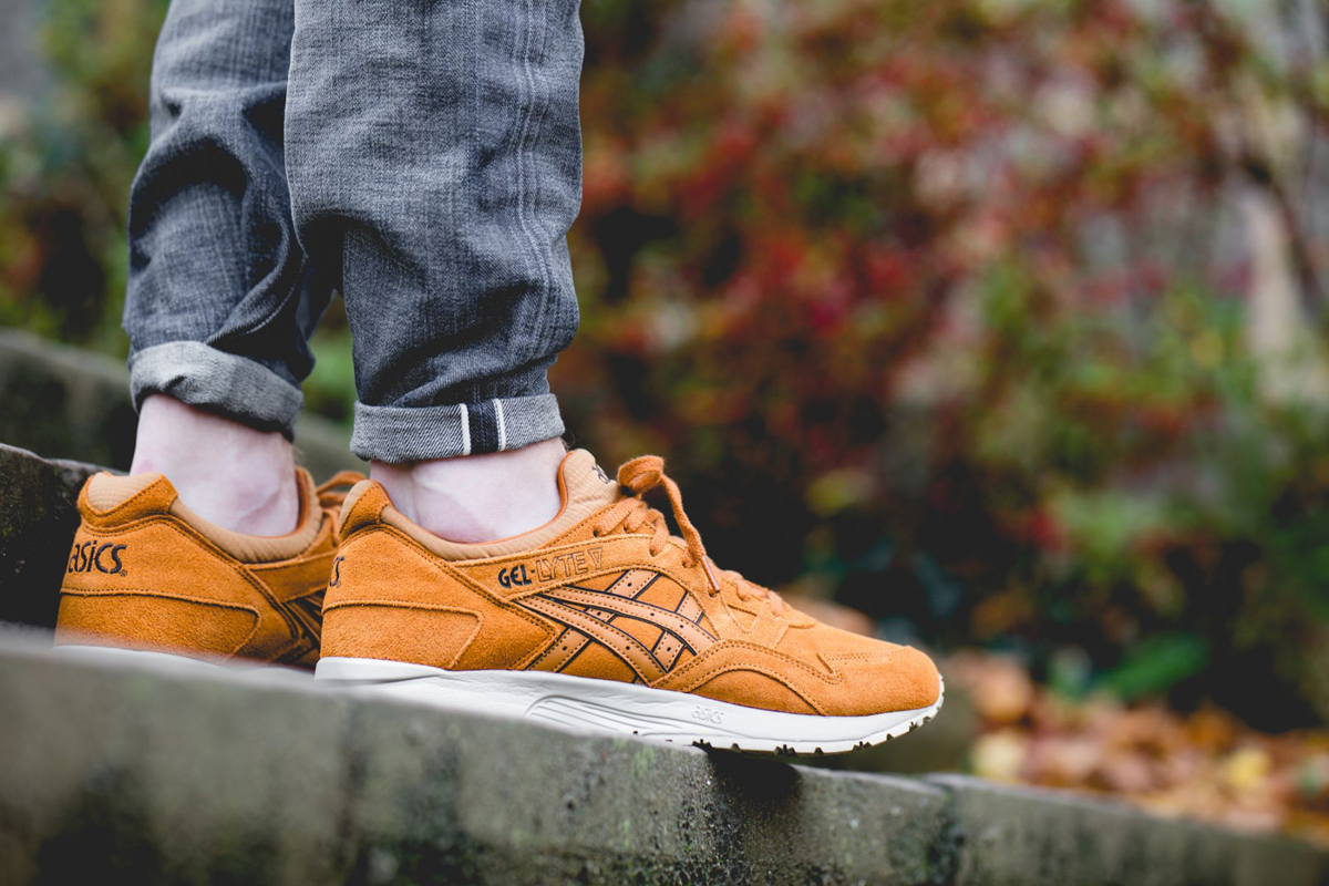 asics-gel-lyte-v-honey-ginger-pack-hl7w1-3131-mood-1