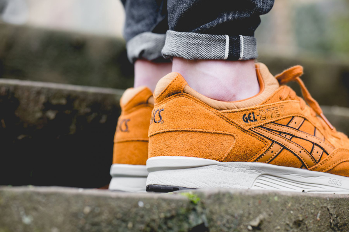 asics-gel-lyte-v-honey-ginger-pack-hl7w1-3131-mood-2