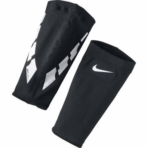 NIKE GUARD LOCK ELITE SLEEVE за 400 руб.