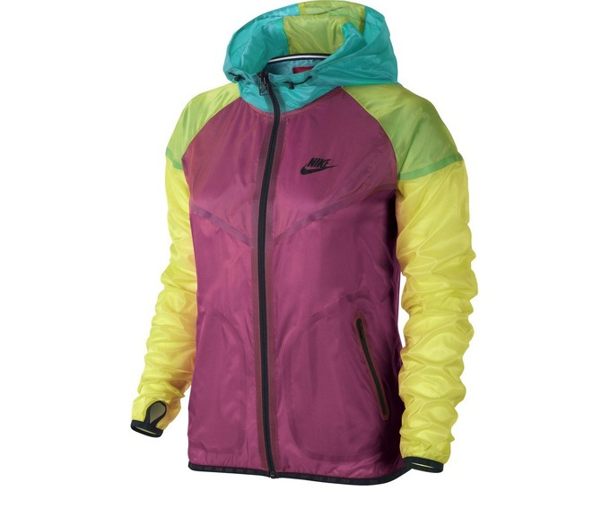 Nike Women Hyper Tech Windrunner Running Jacket за 3600 руб.