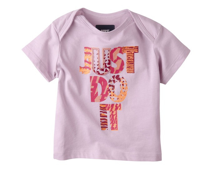 NIKE GFX SS TOP INF T-Shirt за 400 руб.