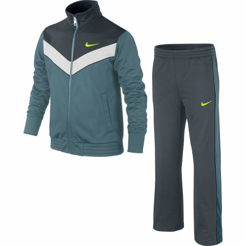 NIKE T45 Victory Warm Up YTH за 2000 руб.