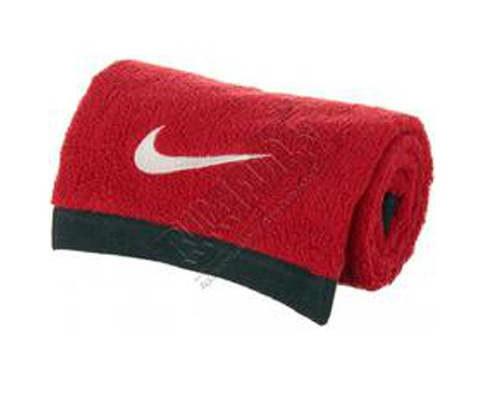 Nike Fundamental Towel за 1300 руб.